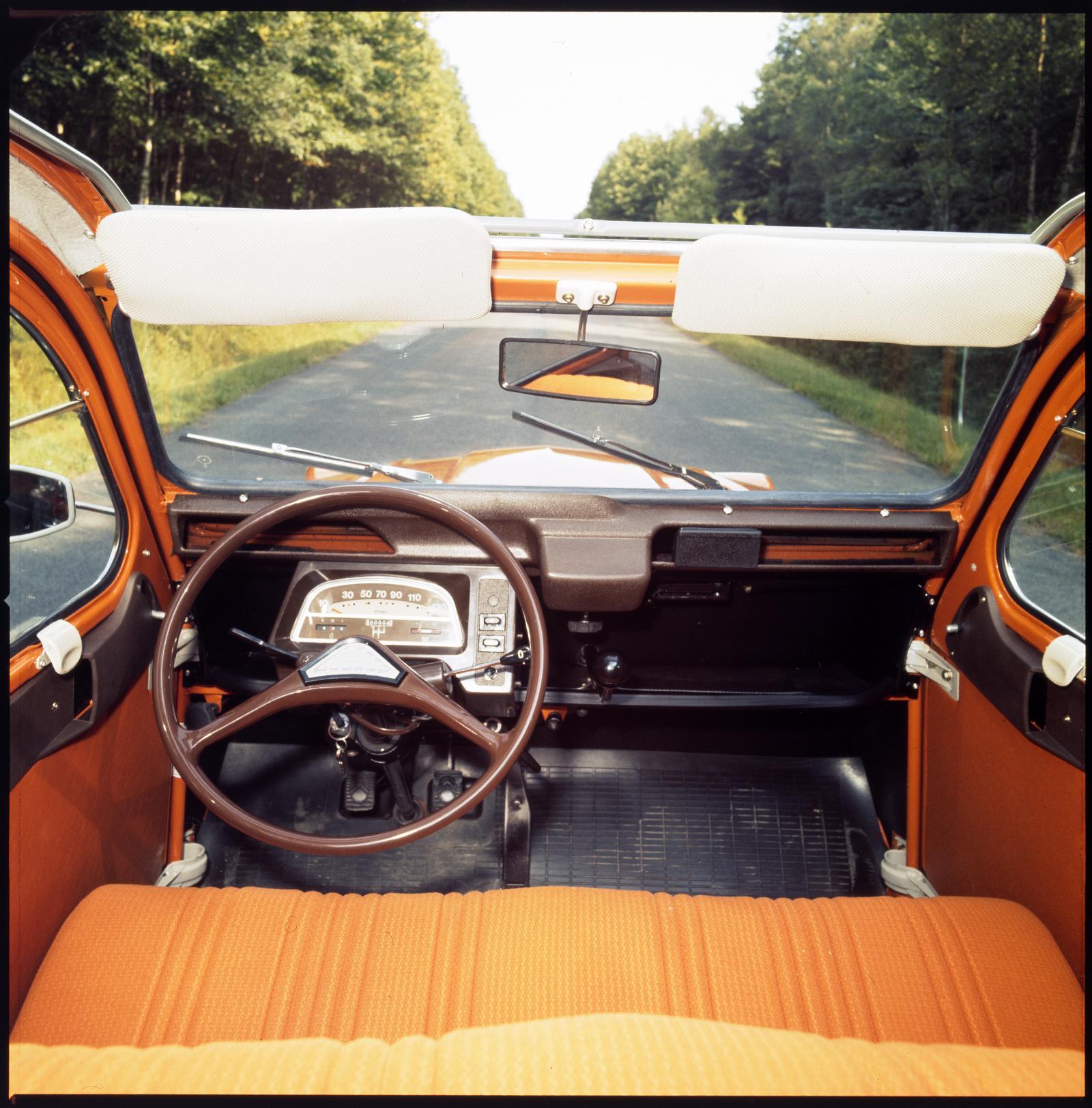 2CV 6 Armaturenbrett 1975