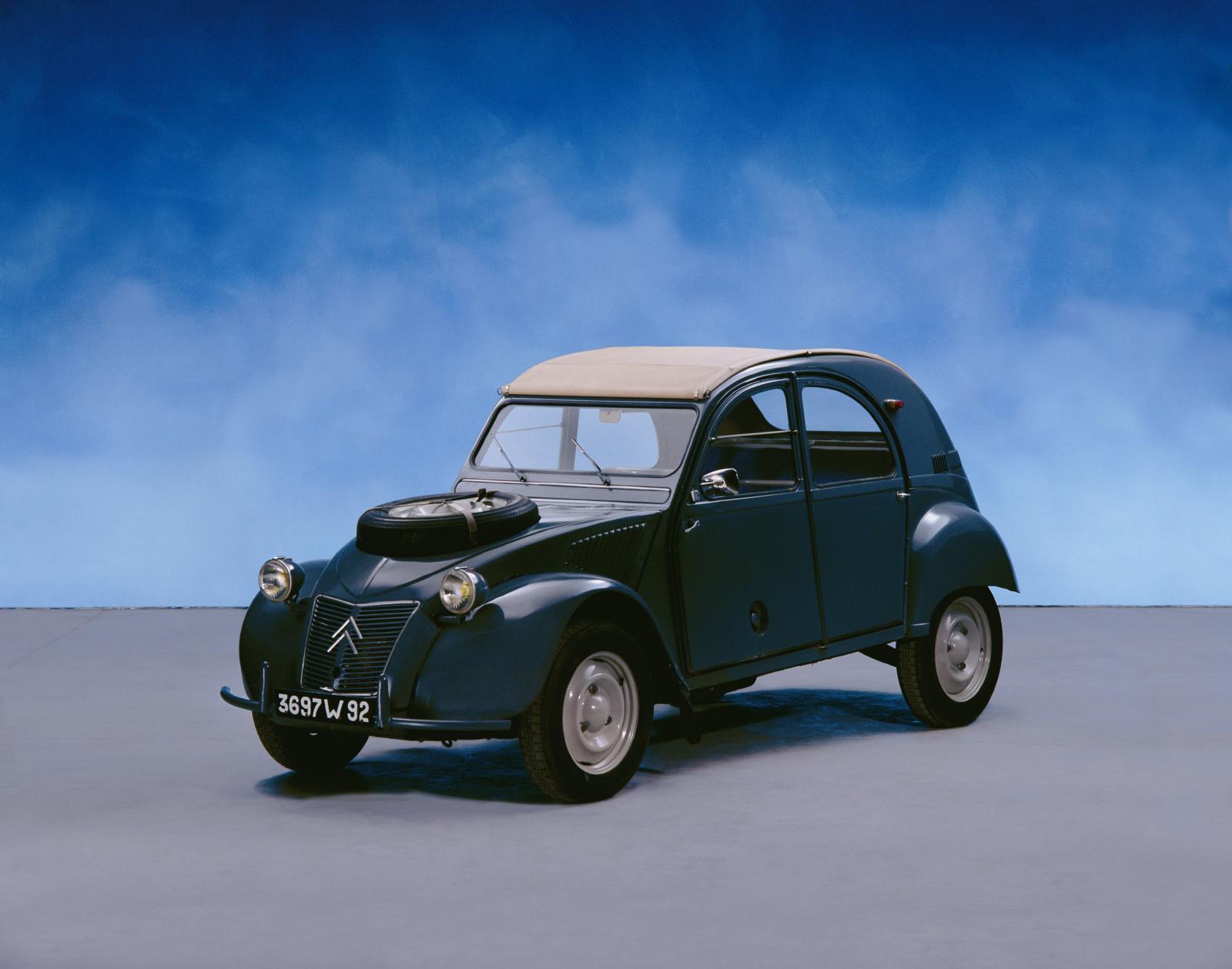 2CV 4x4 Sahara 3/4 Frontansicht 1960