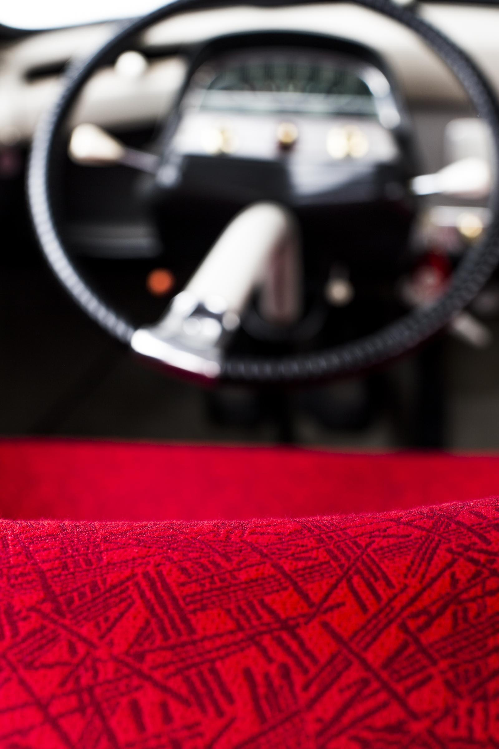 AMI 6 - détail tissu et volant