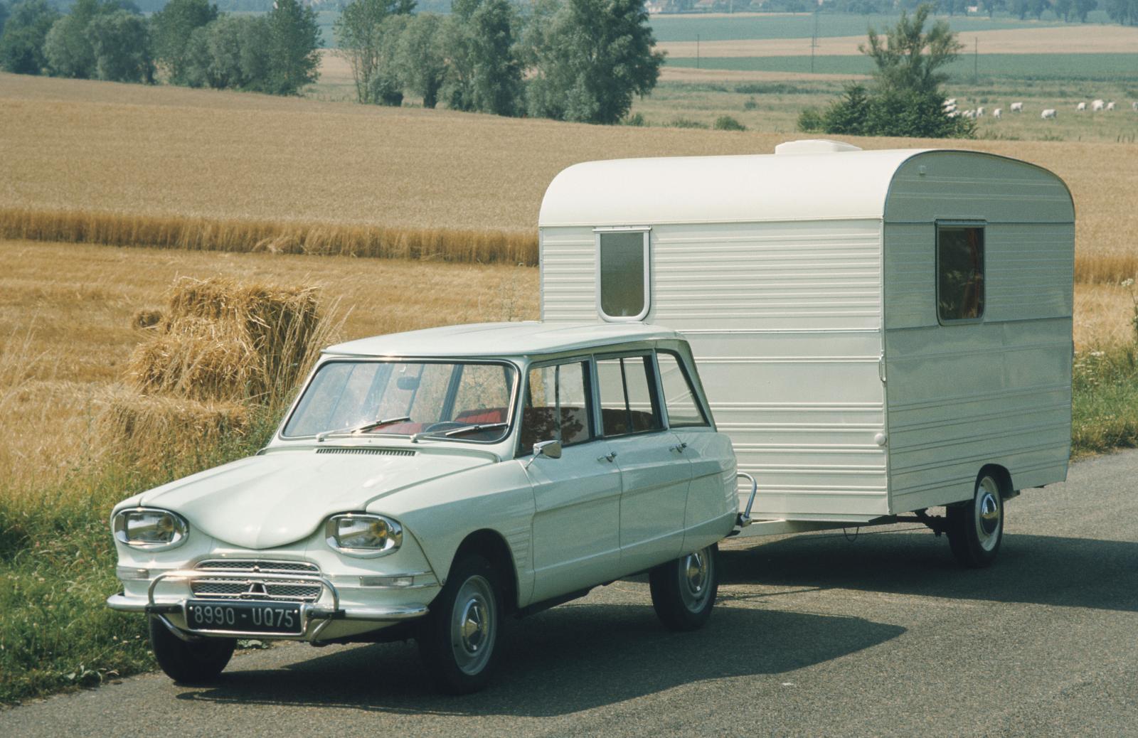 AMI 6 Break 1966 et caravane