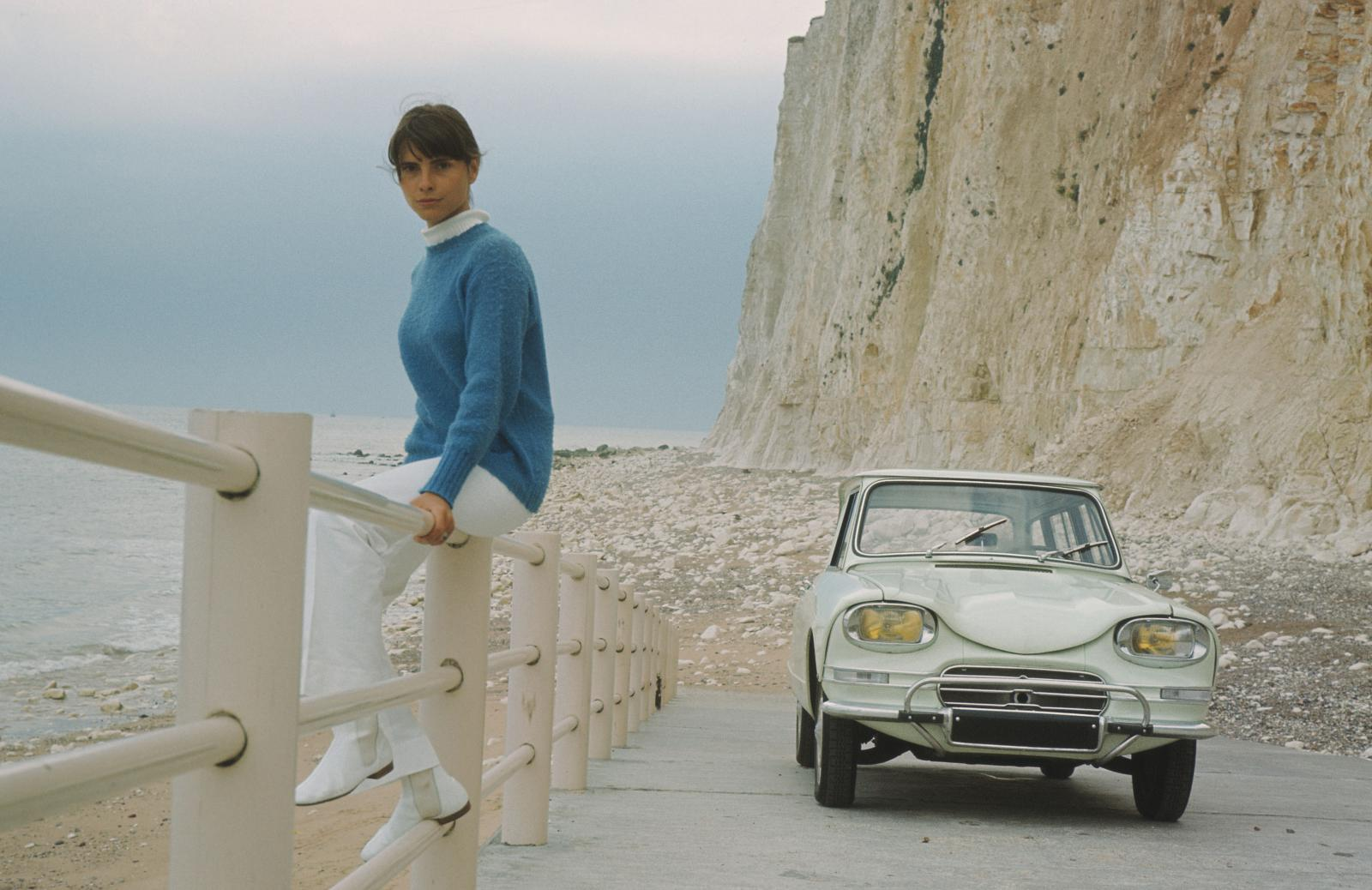 AMI 6 Break 1966 falaises