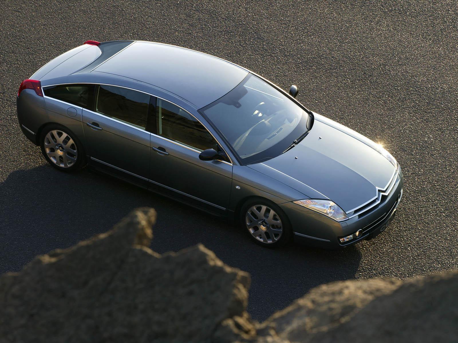 C6 V6 HDI exclusive 2005 vue de haut
