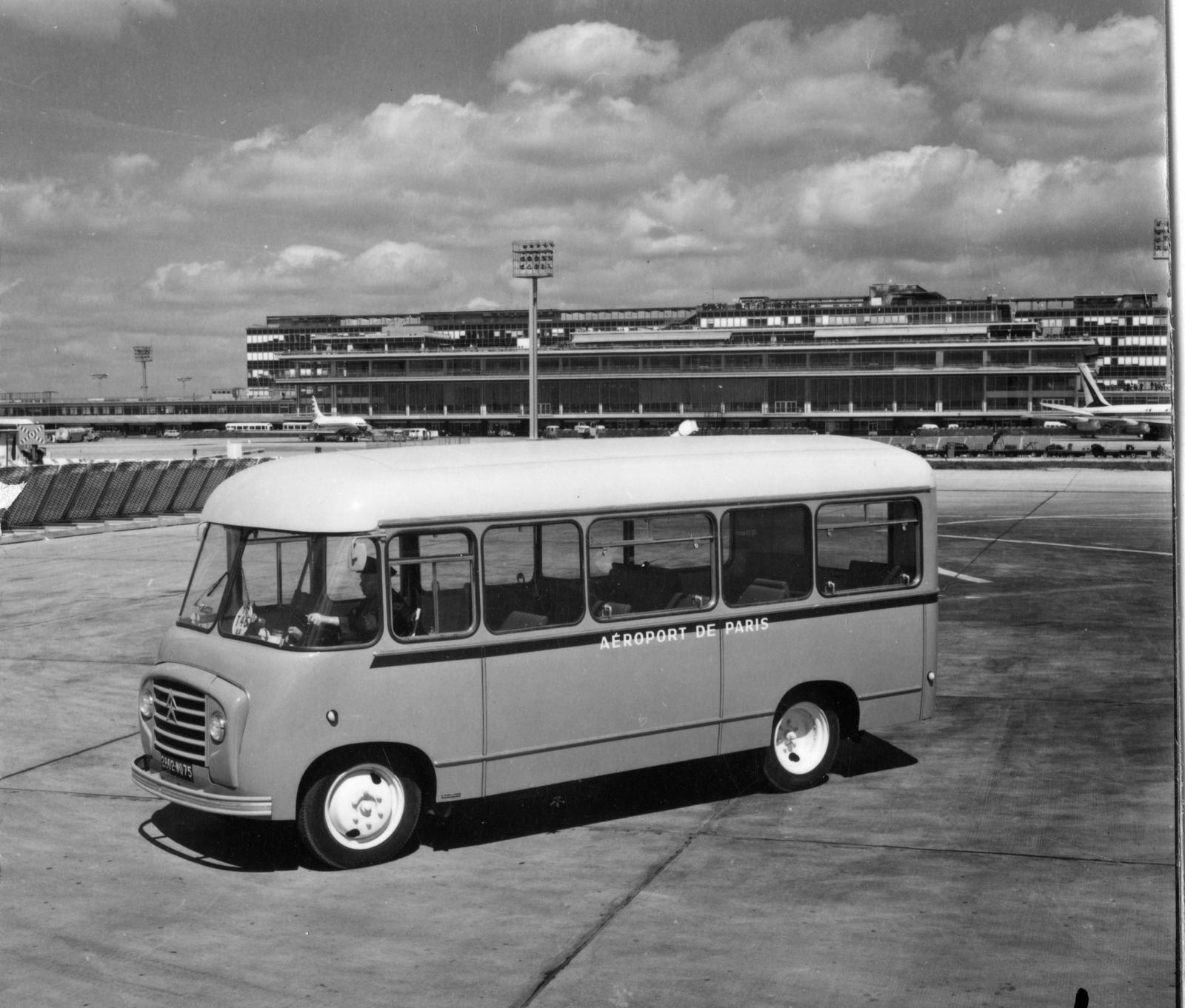 Bus U23 - 3/4 avant