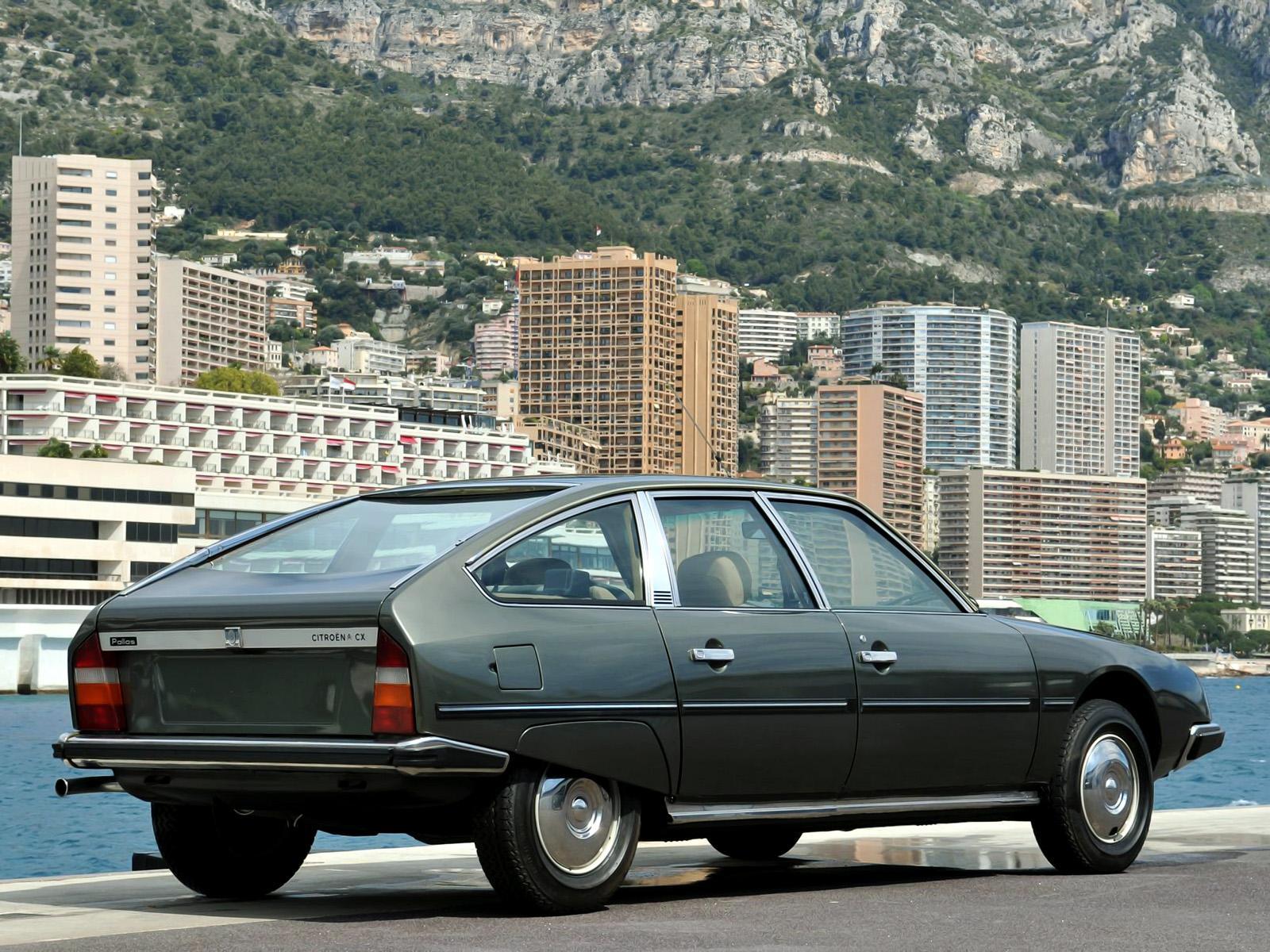 CX Pallas 2400 1978 3/4 arrière