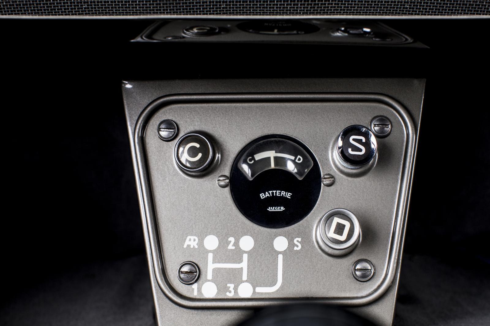 2CV console de contrôle