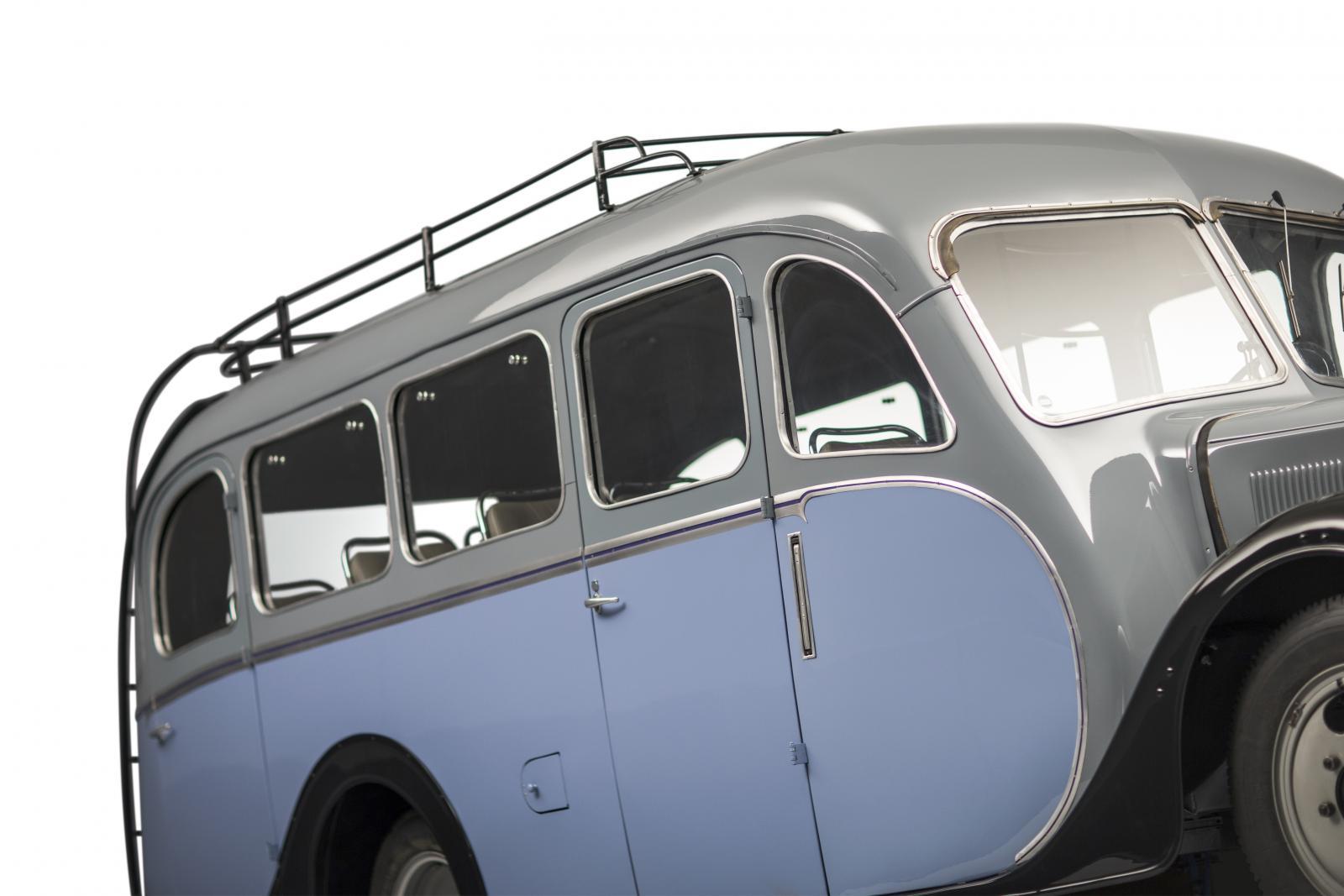 Bus U23
