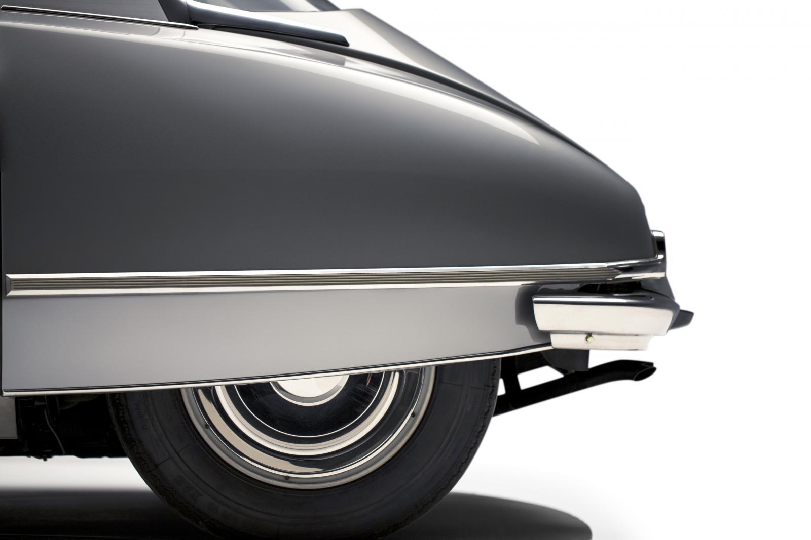 DS 21 - profil arrière