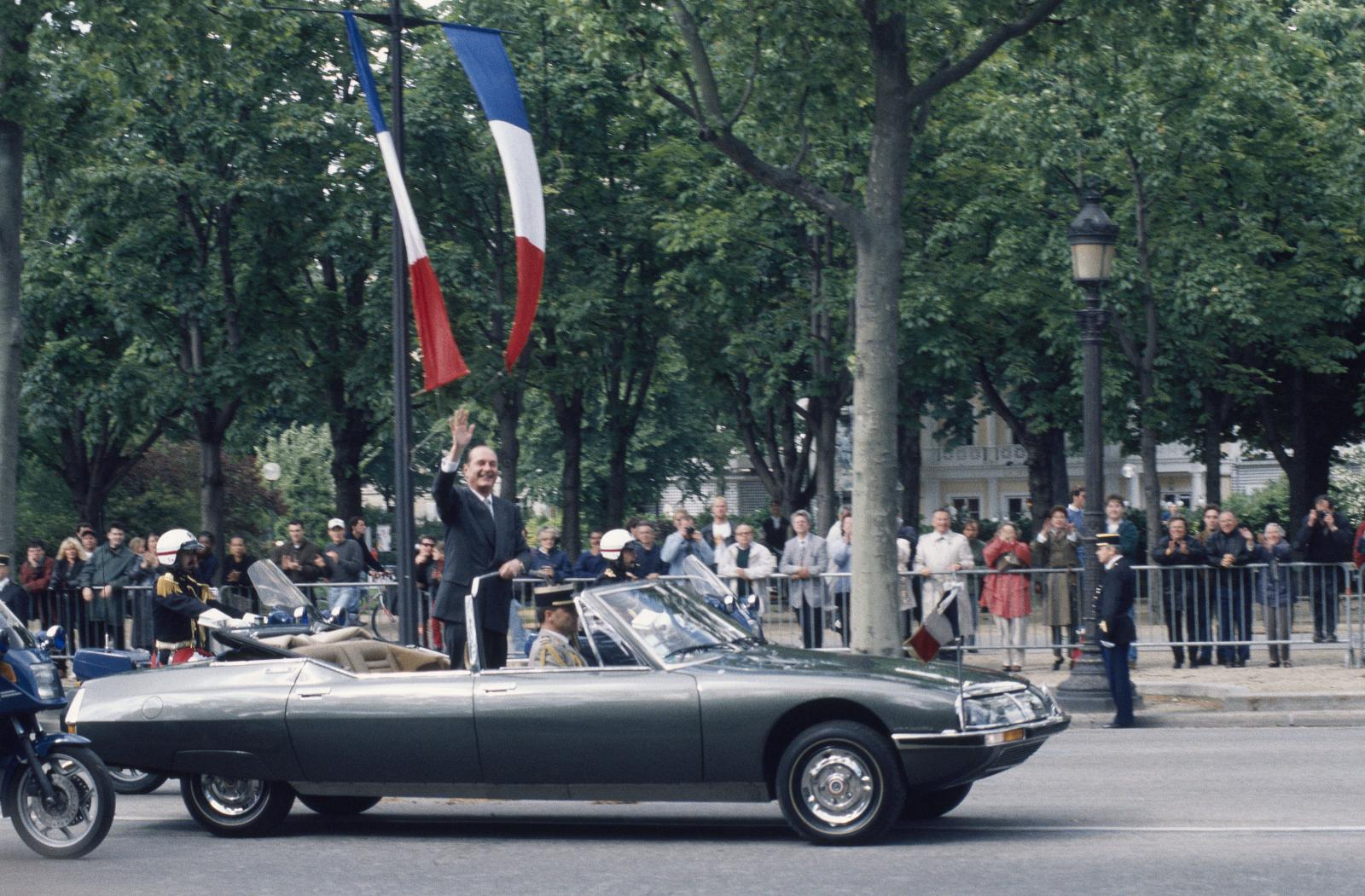 Jacques Chirac SM Devlet Başkanlığı aracında - 1995