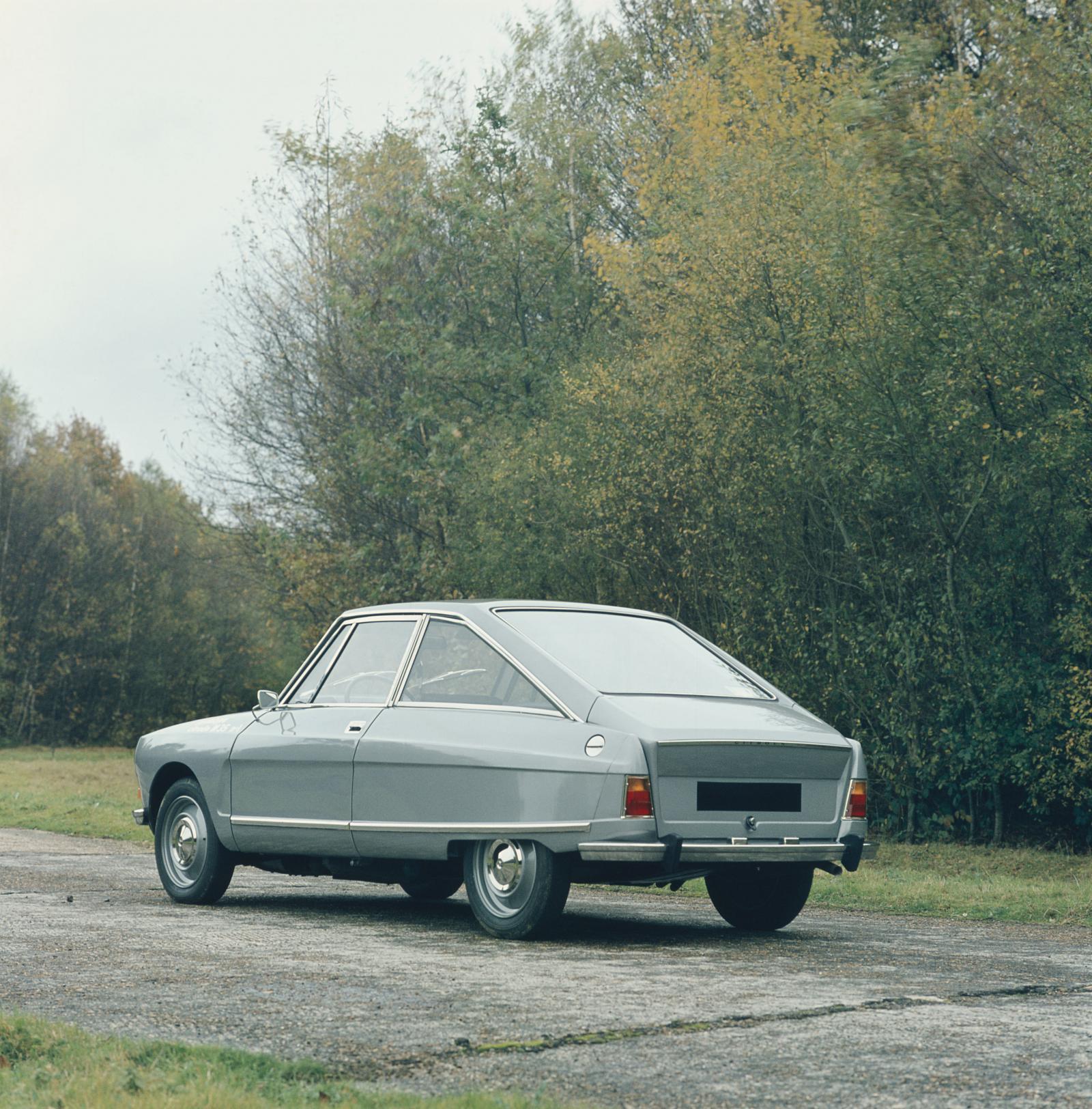 M35 1970 3/4 arrière