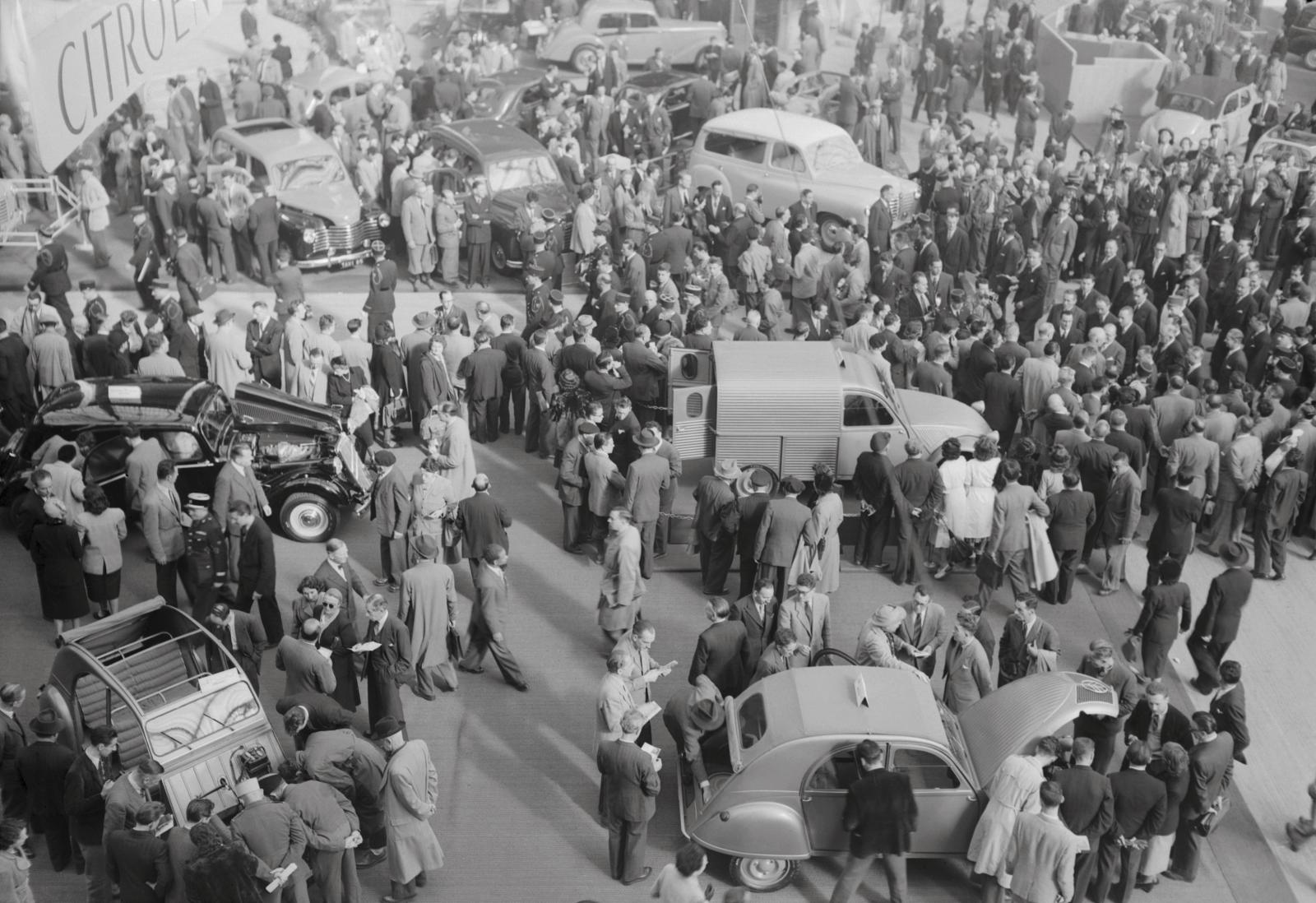 Automobilsalon 2CV A und 2CV AU 1951