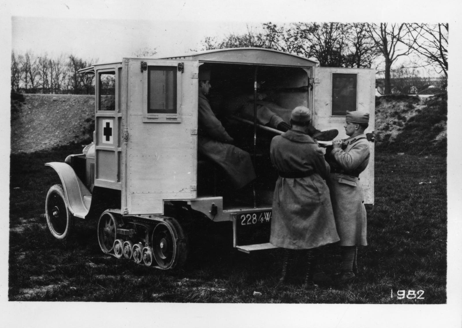 Type K1, Half-Track B2 Ambulance