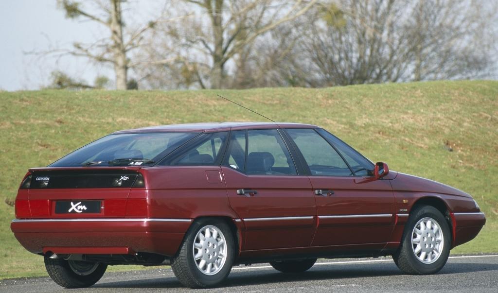 XM V6 Exclusive του 2000, αντικαταστάθηκε από το C6